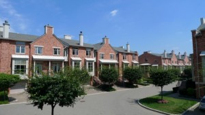 townhouses in Hudson Cove in Edgewater, NJ